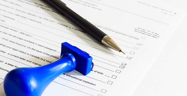 Can a Notary Complete an I-9 Form?