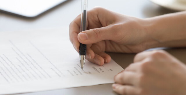Choosing the Right Notary Service